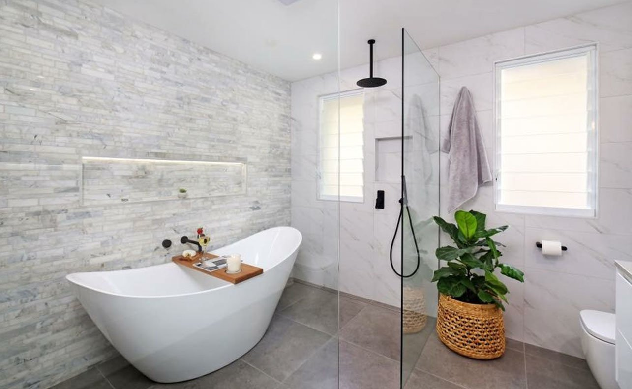 bathroom with gray and white tile