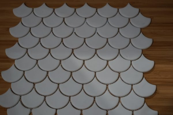 fishscale white matt in large size