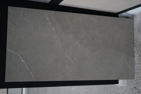 sygna gris tile in large size